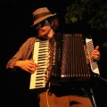 Jason Webley picked up the accordion during his last year of college in 1996. (video)