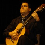 Munoz won his first competition, the International Competition and Festival de Guitarra de la Habana, at 20 years old. (video)