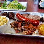PROTEIN EXPRESS  The Three-Meat Combo at Smoking Pig features pork, brisket and hot link—not to mention macaroni and cheese. Photograph by Kristine Bautista