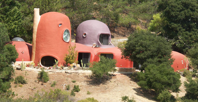 Highway 280 'Flintstone House' Up For Sale