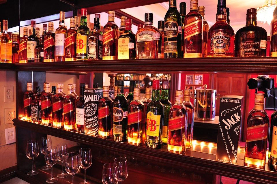 bar-1283638_1280