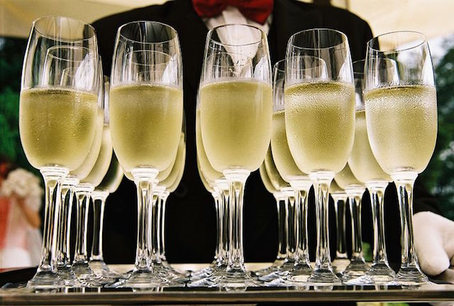 Champagne on the Street: Willow Glen Celebrates Holiday Bubbly Walk