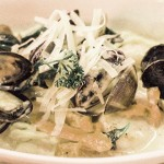 Al dente noodles and clams, mussels, prawns and scallops make the creamy seafood linguine a must-try. Photo by Ngoc Ngo,