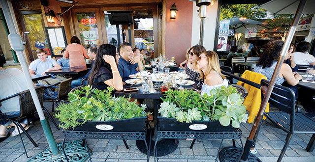 Spring Dining: Eating Outside in Silicon Valley